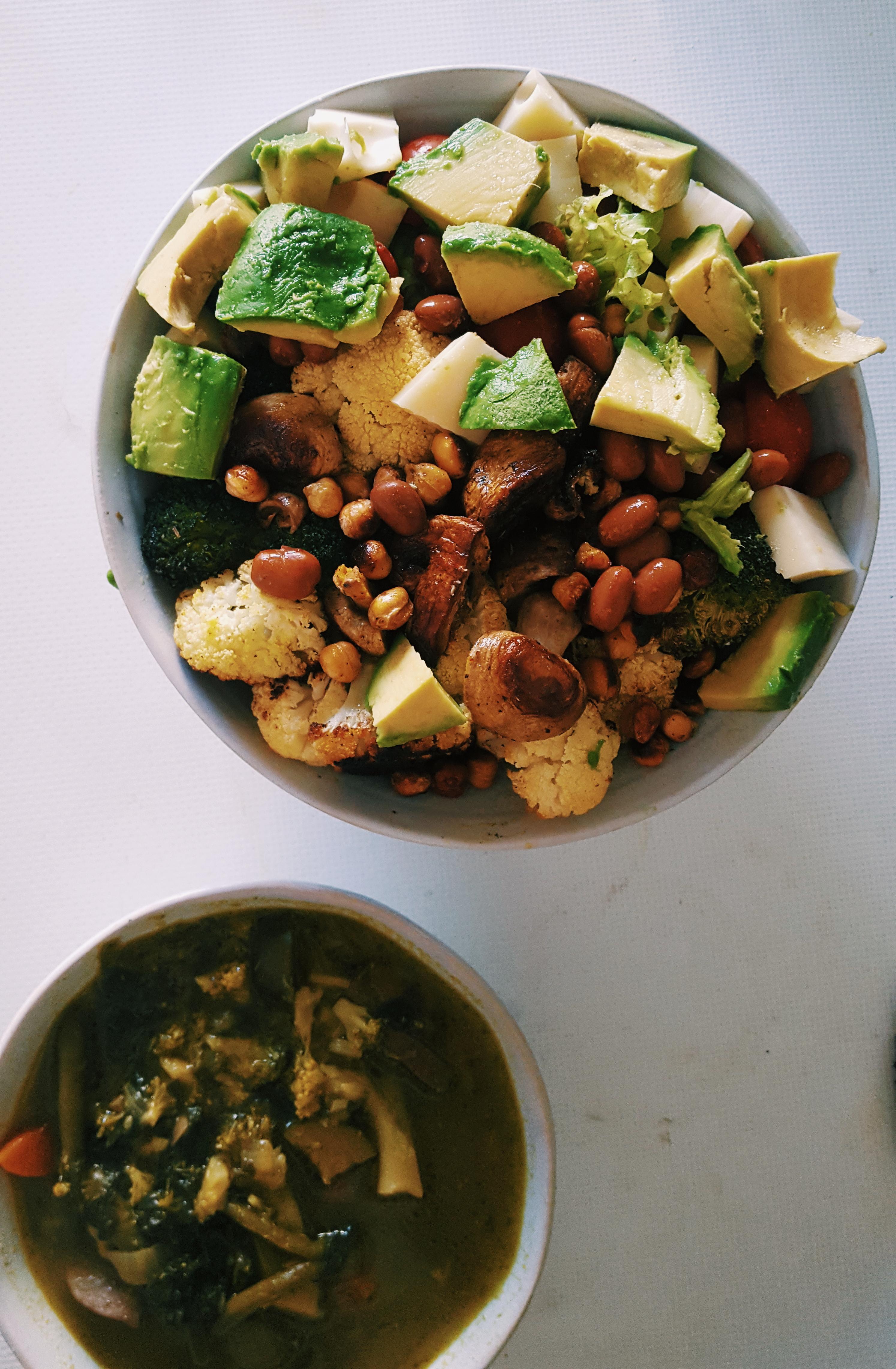 BUDDHA BOWL. Vegan végétarien salade soupe avocat